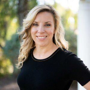 LGBTQ Therapist in USA - Jennine Estes