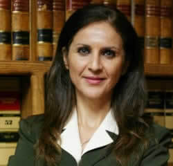 Camelia Mahmoudi, Hispanic lawyer in USA