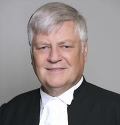 Marek Malicki, Latino lawyer in Canada