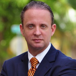 Daniel Lenghea, Romanian speaking lawyer in North Miami Beach FL