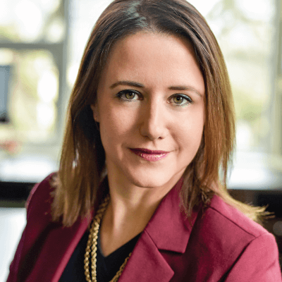Woman Attorney in Portland OR - Annelisa Smith