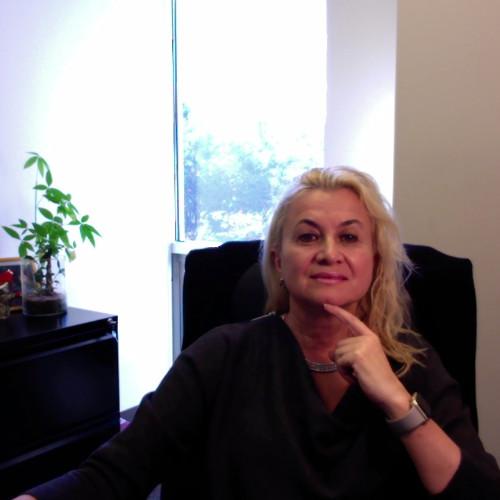 Female Attorney in USA - Elena Strehle