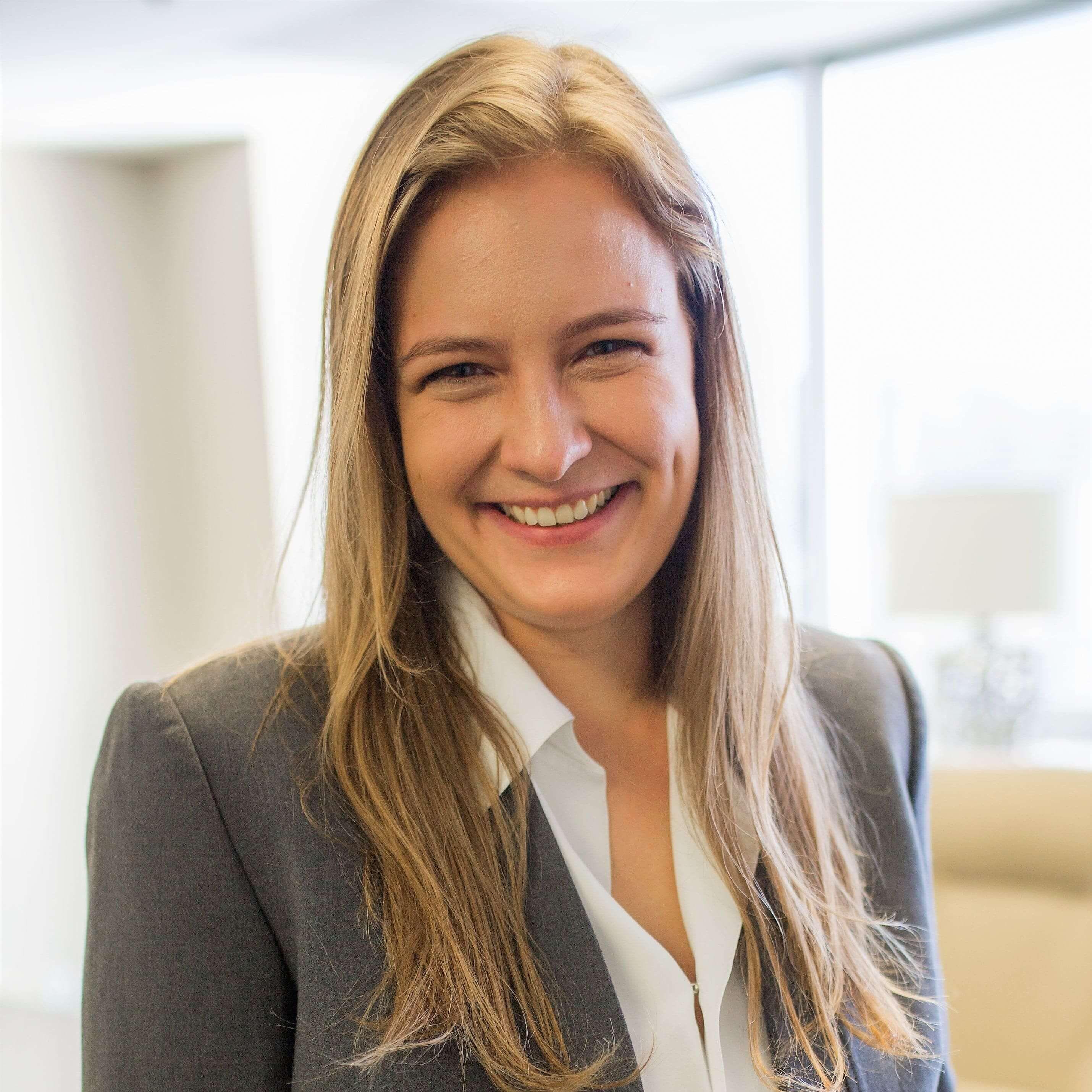 Female Attorney in Ontario - Natalia Bialkowska